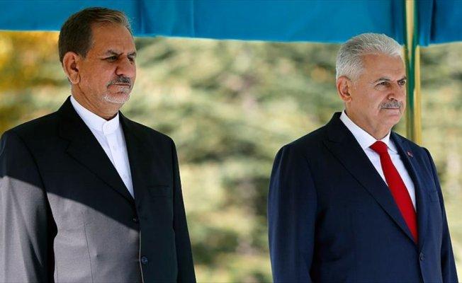 İran Cumhurbaşkanı Birinci Yardımcısı Cihangiri resmi törenle karşılandı