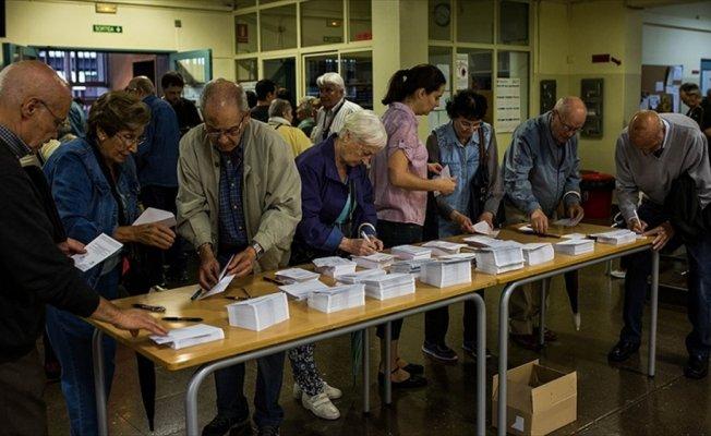Katalonya'daki referandum girişiminde 92 oy merkezi güvenlik güçlerince kapatıldı