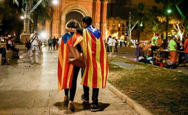 'Katalonya'nın İspanya'dan ayrılması bölgeyi ekonomik zarara uğratabilir'