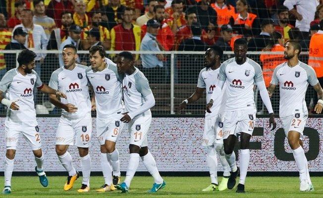 Medipol Başakşehir, deplasmanda Göztepe'yi 2-1 yendi