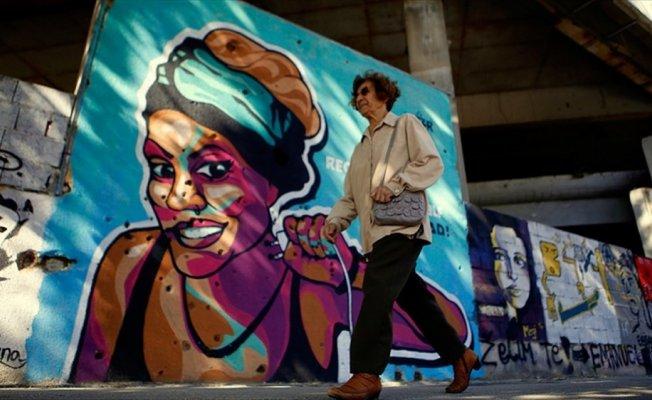 Mostar'da savaşın izleri sanatla kapatılmaya çalışılıyor