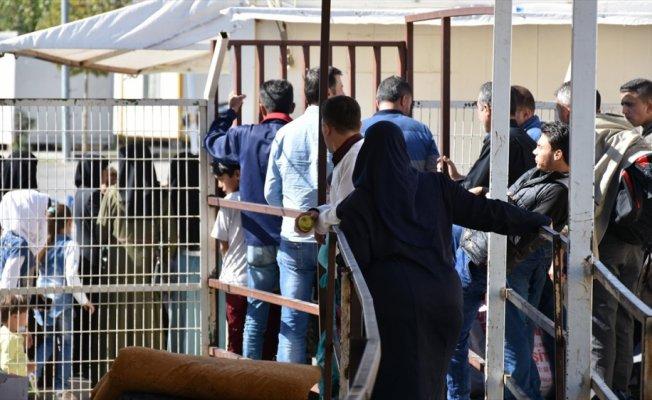 Suriyeli 100 kişilik grup ülkesine döndü