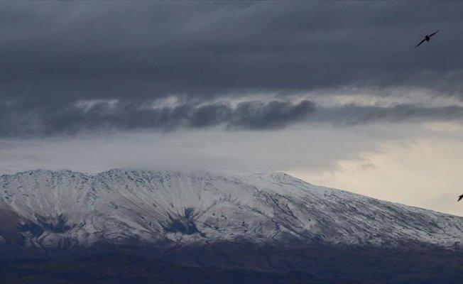 'Türkiye'nin çatısı'na kar yağdı