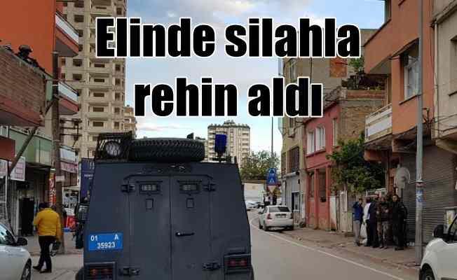 Adana'da rehine kurtarma operasyonu; Polis binayı kuşattı