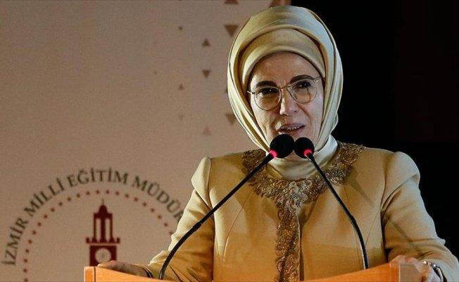 Emine Erdoğan: 60 ton çöpe gitmeden ayrıştırılarak ekonomiye kazandırıldı