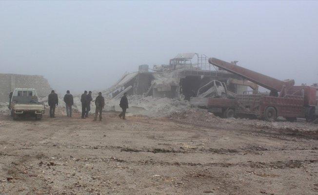 Esed rejimi 'varil' bombasıyla can almayı sürdürüyor