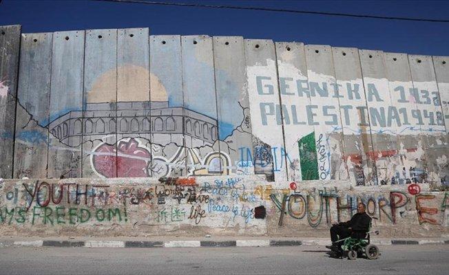 Grafiti sanatçılarının uğrak yeri: Ayrım Duvarı