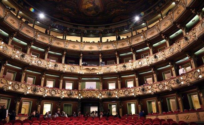 Güney Amerika'nın tarihi Colon Tiyatrosu ilgi çekiyor