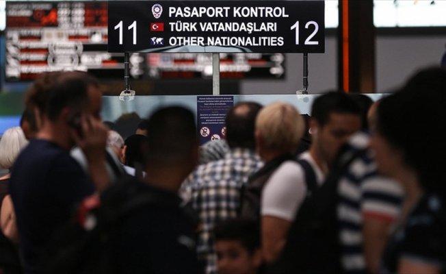 Memurlara yurt dışına çıkışlarda belge zorunluluğu kaldırıldı