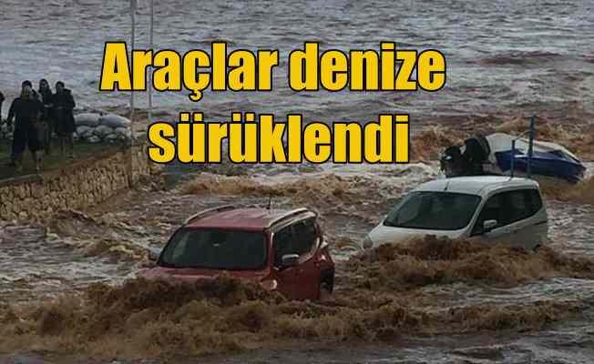 Mersin'de yağmur sele döndü, araçlar sulara kapıldı