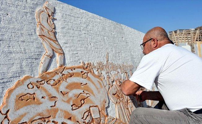 Sanatçıların figürlerini keski ve çekiçle mermere kazıdı