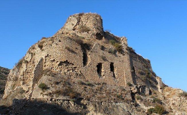 Tarihi miras Bakras Kalesi, keşfedilmeyi bekliyor