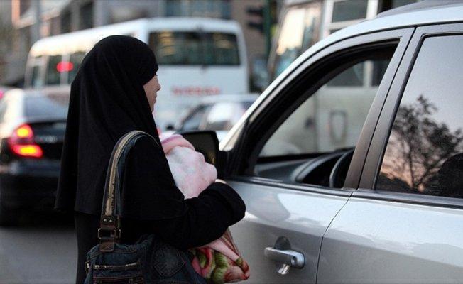Dilencilik yapan Suriyeliler barınma merkezlerine gönderilecek