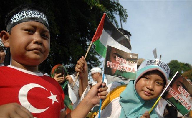 Endonezya'da ABD Büyükelçiliği önünde Kudüs gösterisi