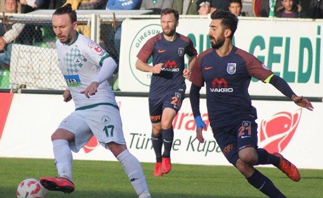 Lig lideri Medipol Başakşehir'e kupa süprizi