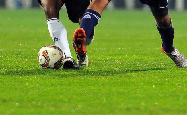 50 yaşındaki futbolcuya yeni sözleşme