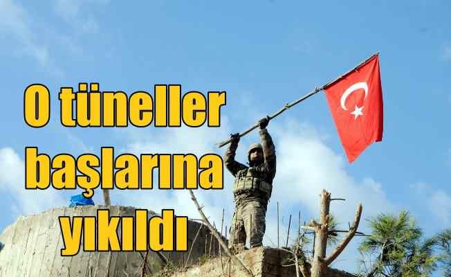 Burseya Dağı'na Türk bayrağı çekildi: Tüneller başlarına yıkıldı