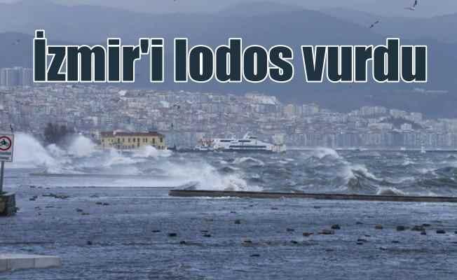 Ege'de deniz kabardı, İzmir sahil sular altında