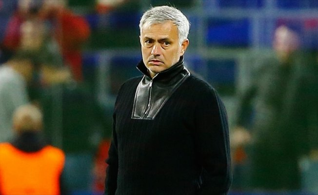 Manchester United Mourinho'nun sözleşmesini uzattı