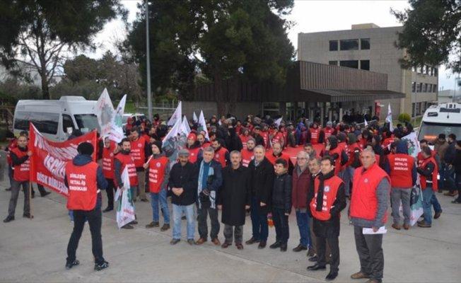 Metal işçilerinin grev kararı ertelendi