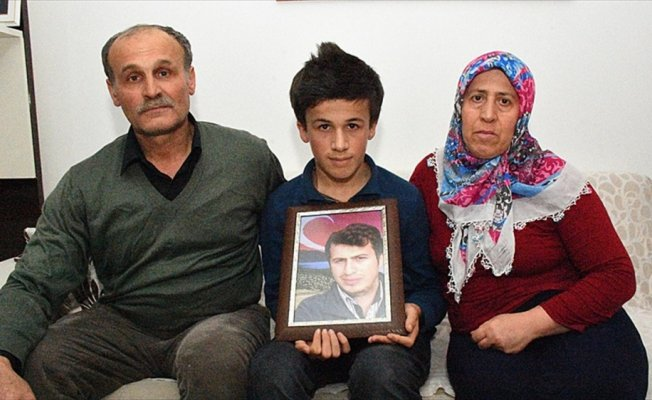 Şehit Necmettin öğretmenin ailesinden Zeytin Dalı Harekatı'na destek