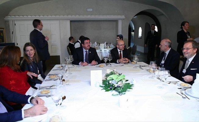 Şimşek ve Zeybekci Davos'ta Türk ekonomisini anlattı