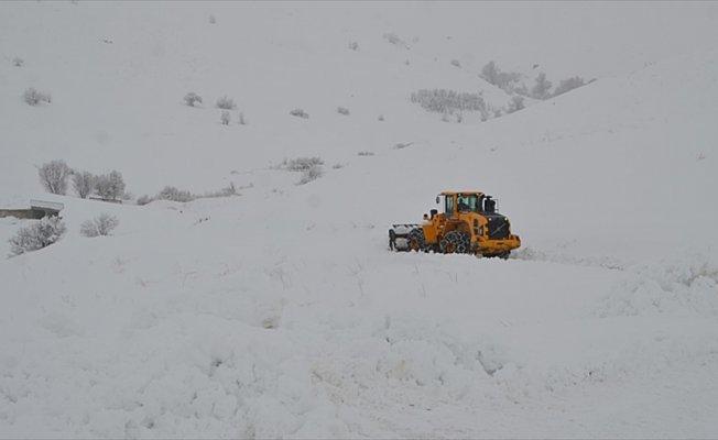 26 yerleşim biriminin yolu ulaşıma kapandı