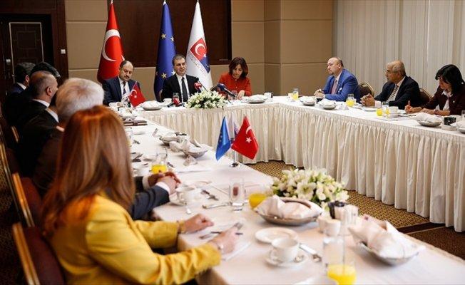 AB Bakanı Çelik'ten vize serbestisi açıklaması