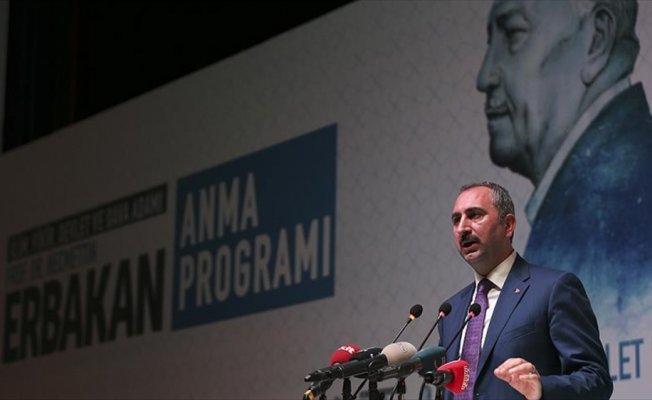 Adalet Bakanı Gül: Erbakan hoca her zaman hayırla ve minnetle anılacak