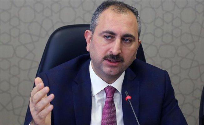 Adalet Bakanı Gül: Hukuki hakkımızı kullanmaktan çekinmeyeceğiz