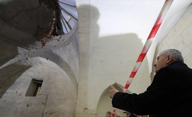 Başbakan Yıldırım, PYD/PKK'nın roketle saldırdığı camiyi ziyaret etti