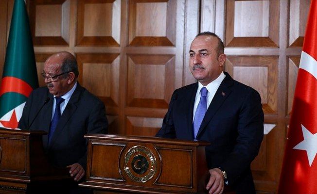 Dışişleri Bakanı Çavuşoğlu: Terör örgütlerine destek verenler eşittir PKK/YPG'dir