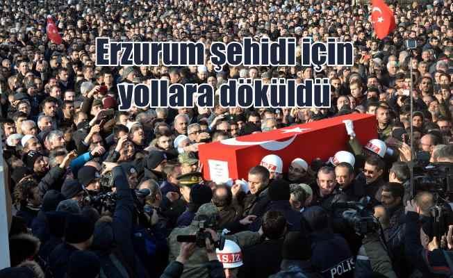 Erzurum şehidini uğurladı: 20 bin kişi cenazede saf tuttu
