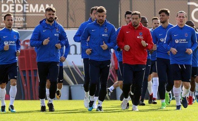 Trabzonspor'da Başakşehir maçı öncesi alternatifli kadro
