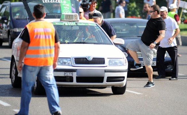 West Bromwichli futbolcular taksi çaldı