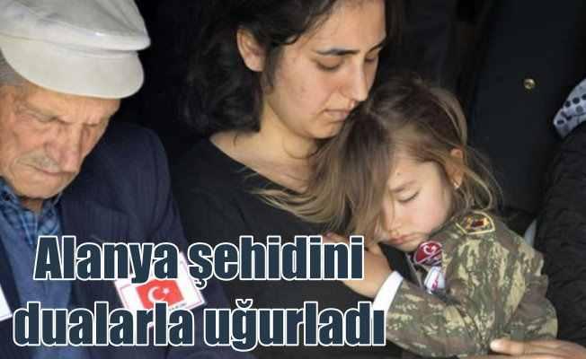 Alanyalı şehit Fatih Uysal'ı binlerce vatandaş uğurladı