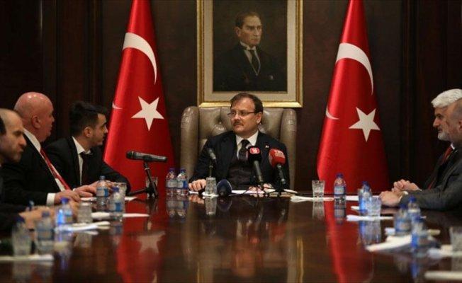 Çavuşoğlu: Türkiye sivillerin zarar görmemesi için azami dikkat göstermekte