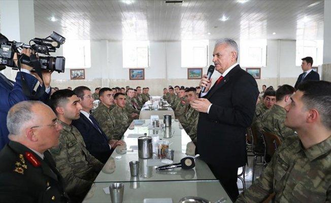 Başbakan Yıldırım: Tarihten gelen sorumluluğumuzun bilincinde olarak Afrin'deyiz