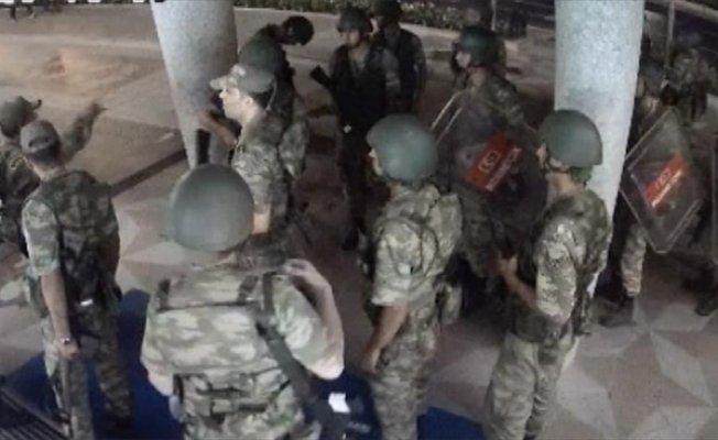Darbeci albaydan 'İmamı susturun' emri