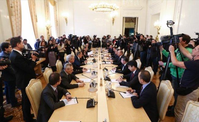 Dışişleri Bakanı Çavuşoğlu Rus mevkidaşı ile bir araya geldi