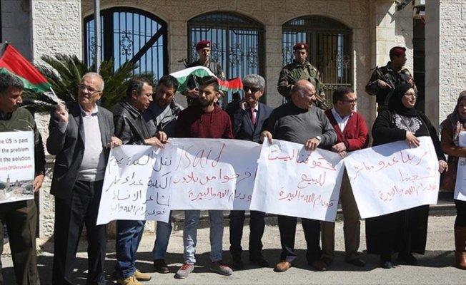 Filistinlilerden ABD temsilciliklerinin kapatılması talebi