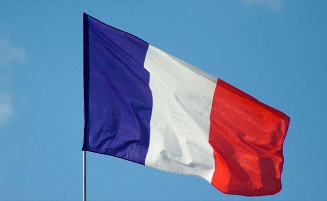 Fransa'da terörü öven kişiye 6 ay hapis cezası