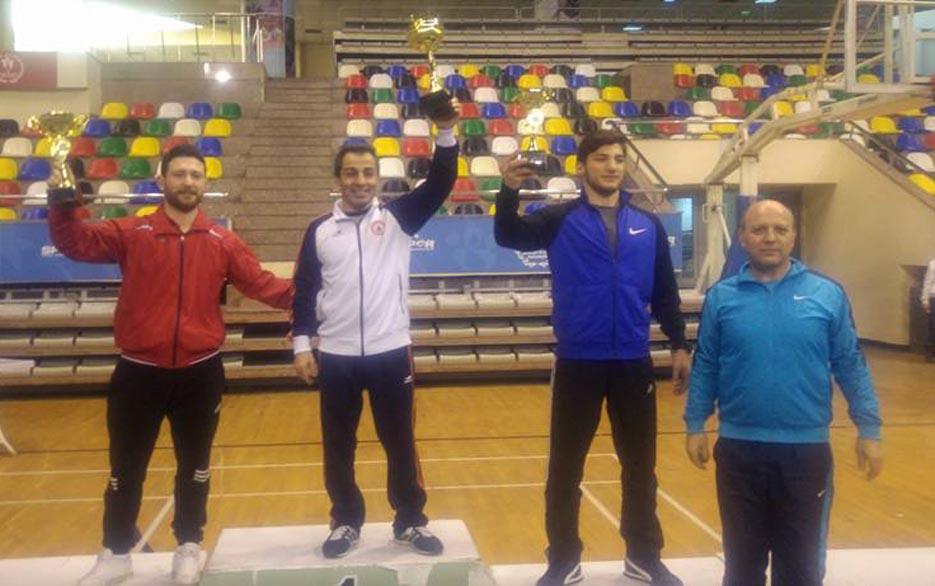 İBB'li Minik Güreşçiler Grekoromende Şampiyon, Serbest'te İkinci Oldu