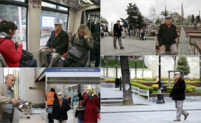 İlerleyen yaşına rağmen İstanbul'un güzelliklerini dolu dolu yaşıyor