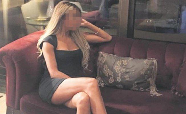İş adamının eşine çıplak resimlerini yolladı