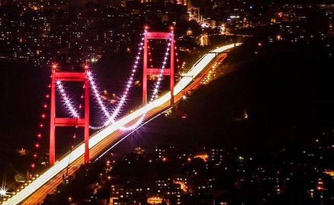 Köprüler Pakistan için ışıklandırılacak