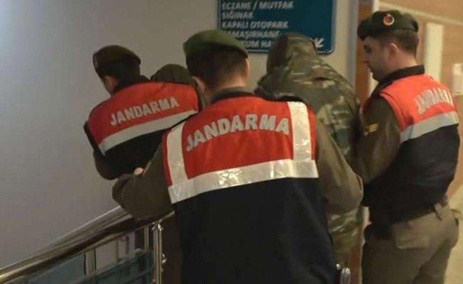 Mahkemeye sevk edilen 2 Yunan askeri tutuklandı