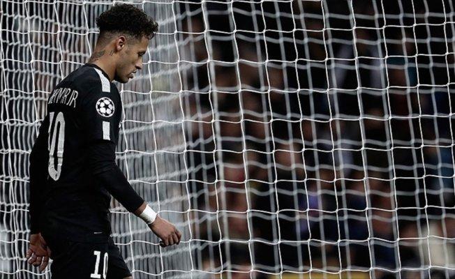 Neymar'ın iyileşmesi aylar sürecek