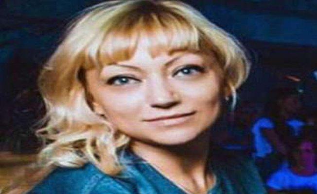 Rus öretmen erkek öğrencisi ile yakalandı