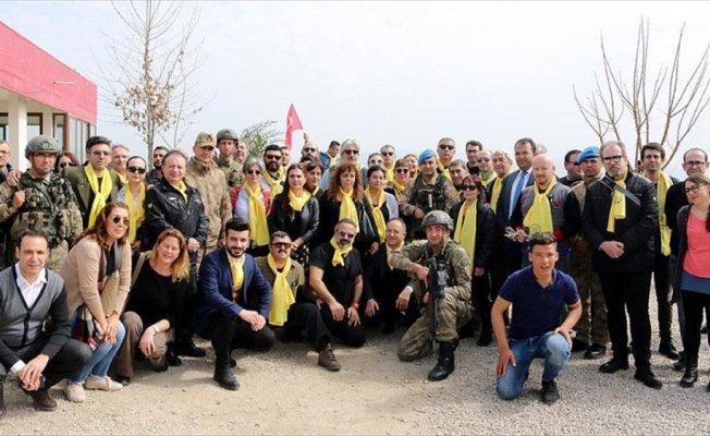 Sanatçılar Mehmetçik'e destek için Suriye sınırında